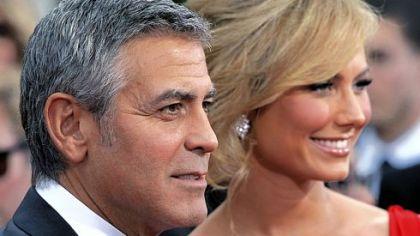 Globes shine on Clooney, Streep