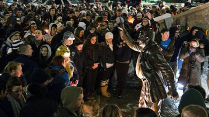Joe Pa's faithful gather to keep a vigil at Penn State