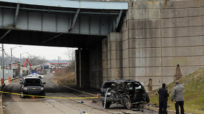 1 woman killed, 1 hurt in Mansfield Bridge crash