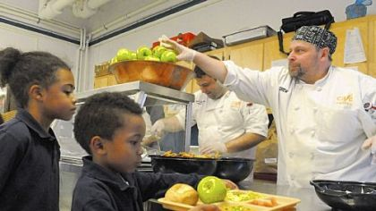Environmental Charter School tests out looming lunch regulations