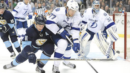 Penguins defeat Lightning, 4-2