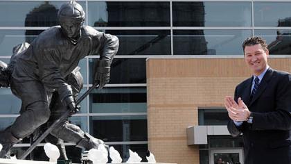 'Le Magnifique' cast in bronze: Lemieux statue unveiled