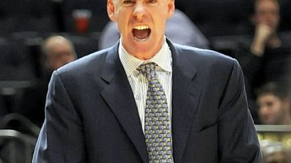 Jamie Dixon vents on the sideline.