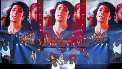 Cirque du Soleil  - Page 7 04-12-02_cirque-du-soleils-michael-jackson-the-immortal-world-tour_420