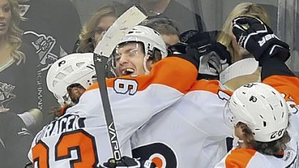 The Flyers' Sean Couturier, center, 19, is drawing some peculiar comparisons from his teammates.