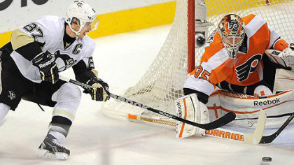 Sidney Crosby is stopped by Flyers goalie Sergei Bobrovsky in the second period.