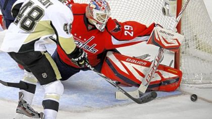 Tomas Vokoun earned the shutout in goal for the Capitals.
