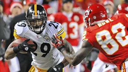 Steelers safety Ryan Mundy intercepts a pass off of Chiefs quarterback Tyler Palko during a game in November.