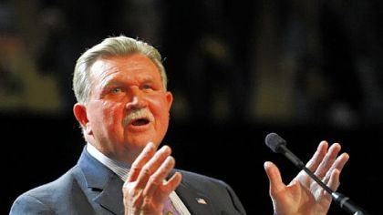 Mike Ditka receives the Lifetime Achievement Award Monday at the Dapper Dan Banquet.
