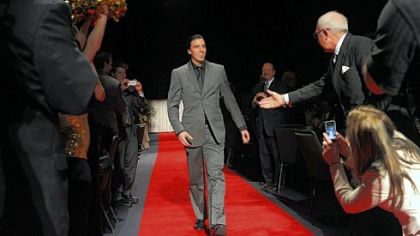 Penguins goalie Marc-Andre Fleury makes his way down the red carpet Monday at the Dapper Dan Banquet at David Lawrence Convention Center. Penguins coach Dan Bylsma and Fleury were honored as co-Sportsmen of the Year.