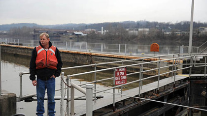 Charles Weight, a lockmaster with the U.S. Army Corps of Engineers, at the Elizabeth Lock and Dam No. 3, a 105-year-old facility on the Monongahela River.