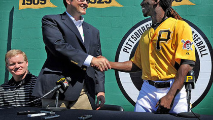 Pittsburgh Pirates Chariman Bob Nutting and Andrew McCutchen make official McCutchen&#039;s new contract with the club.