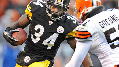 Rashard Mendenhall tore his ACL during this play of the Steelers versus Browns game.
