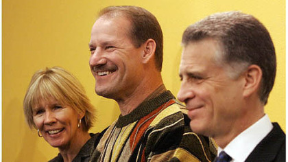 Kaye and Bill Cowher with Art Rooney II in 2007.