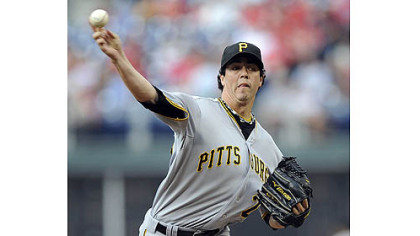 Pirates pitcher Jeff Karstens throws a pitch against the Phillies in the first inning.