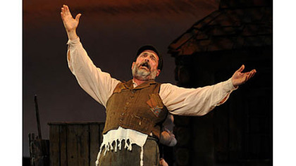 Lewis J. Stadlen is Tevye in Pittsburgh CLO&#039;s &quot;Fiddler on the Roof,&quot; at the Benedum Center through Sunday.