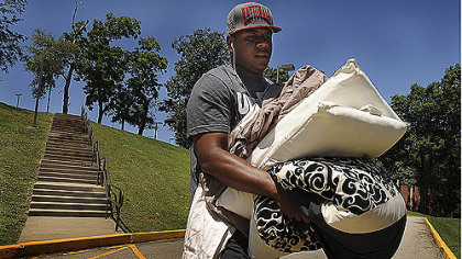Byron Leftwich arrives at training camp Wednesday afternoon.