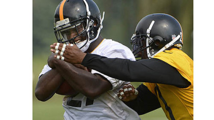 Running back Jonathan Dwyer is battling for a roster spot behind Rashard Mendenhall and Isaac Redman.