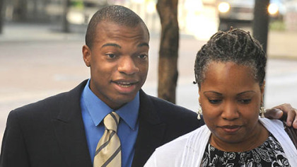 Jordan Miles and Terez Miles enter the Federal Courthouse today.