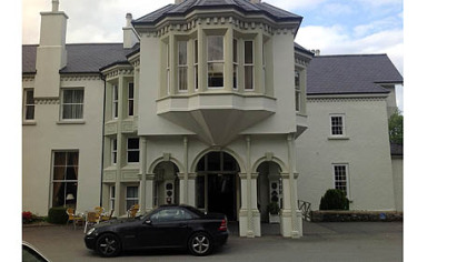 The historic Beech Hill Country House Hotel near Derry, in Northern Ireland, was built in 1739. In 1942, U.S. Marines were billeted there. President Bill Clinton has stayed there twice.